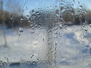 Конденсат в пластиковых окнах